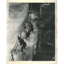 1945 Press Photo Coast Guardsmen Pacific Typhoon - RRR62607
