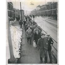 1952 Press Photo Labor Crane Company Workers