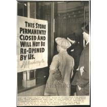 1938 Press Photo Factory Strike Labour Action Strike