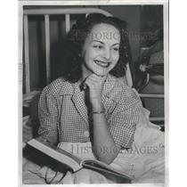 1948 Press Photo Crippled Woman Vivian Wakeford - RRR76357