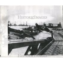1944 Press Photo English Channel Storm Twists Beachhead - RRR91601