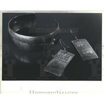 1984 Press Photo  Earrings Braselet Mexican Folk Arts
