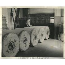 Press Photo Newsprint Huge Rolls Ready Shipment Worker