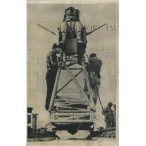 1958 Press Photo Aircraft Temperature Suit Worlds Man