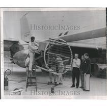 1958 Press Photo Technicians Prepare De-Icing Tests