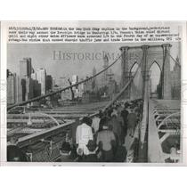 1960 Press Photo Road Purpose Passage Span Obstacle