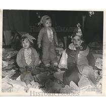 1952 Press Photo Children in costume at the Carnival parade - nox00315