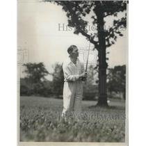 1933 Press Photo Joe Kirkwood driving out of the rough during National Open
