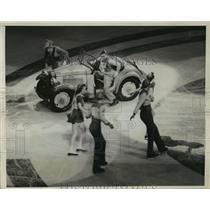 1939 Press Photo New York Shipstad & Johnson during comedy act NYC - neny05254