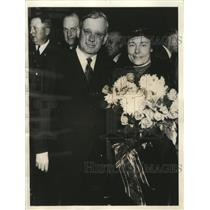 1935 Press Photo Alf Landon, governor of Kansas, with his wife - mjx21520
