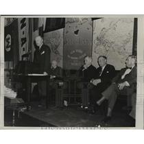1939 Press Photo New York Consul General Rolf Christensen speaks to cadets NYC
