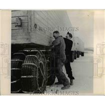 1955 Press Photo Arctic Highway Faribanks Alaska Chains on Trailer Wheels