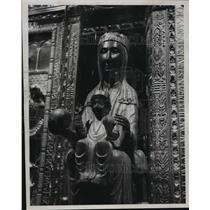 """1957 Press Photo """"Black Virgin"""" at Mountain Monastery of Montserrat - mja43915"""