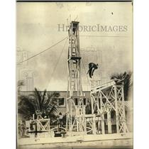 1923 Press Photo Olympic Diving Champion Fred Spongberg Doing Handstand Dive