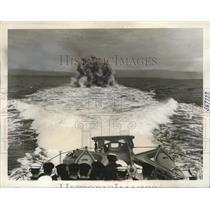 1940 Press Photo Royal Canadian Navy Patrol Depth Bomb Explosion - ney23647