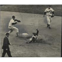 1956 Press Photo Danny O'Connell Throws to First During A Double Play