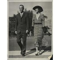 1934 Press Photo Lincoln Ellsworth & Wife Ann Prior to Their Departure