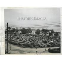 1945 Press Photo Cars parked away from vicinity of Jamaica Race Track