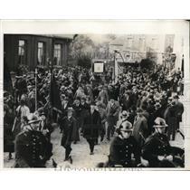 1931 Press Photo Hasselt Belgium ex servicemen march under police protection