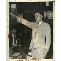 1938 Press Photo James Mecalfe Gives Nazi German Bunds in America Salute