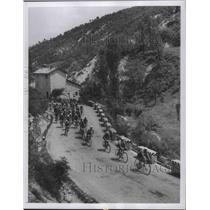 1956 Press Photo 39th Tour of Italy Cycle Race in Bologna, Italy - fux00975