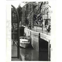 1982 Press Photo Small Boats Use Lake's System  Connects Lakes & Man-Made Canals