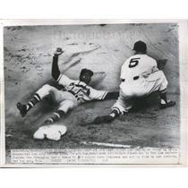 1951 Press Photo Braves' Sam Jethroe safe at 3rd vs Braves' Vern Stephens