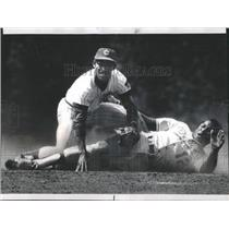 1977 Press Photo Manny Trillo Ivan DeJesus Chicago Cubs