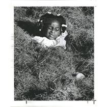 1983 Press Photo Sherry Monique Smith gymnast Grass