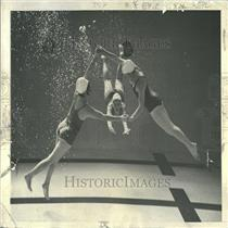 1941 Press Photo Miss Martens Ann Avery Smith Carol - RRY31275