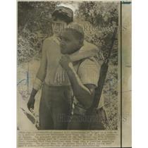 1966 Press Photo Vietnam War Trung Lamp United States