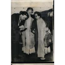 1959 Press Photo Ella Throbe & Alive Kluesing Escaped Stalheim Hotel Fire Norway
