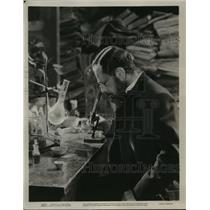 1936 Press Photo The Story of Louis Pasteur starring Paul Muir - lfx01742