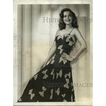 1942 Press Photo Hollywood CA Carol Bruce in black crepe dinner dress