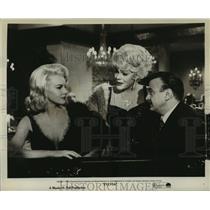 "1964 Press Photo Paul Gilbert, Val Avery, Carroll Baker in ""Sylvia"" - lfx03550"