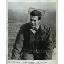 "1964 Press Photo Marcello Mastroianni in ""Yesterday, Today and Tomorrow"""