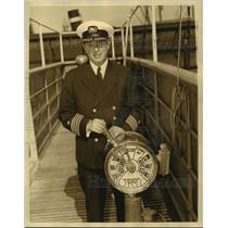 1935 Press Photo SS President Harding & Captain Harold L Winslow - lfx01718