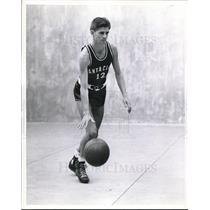 1942 Press Photo Dick Mangan, guard, Santa Clara basketball squad - nes05688