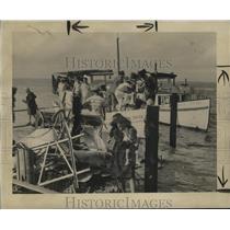 1947 Press Photo Coast Guard Aids Evacuation of Bay St. Louis, Mississippi