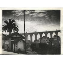1941 Press Photo Famous aqueduct, built 1,000 years ago- Lisbon, Portugal