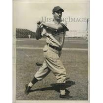1949 Press Photo Harry Walker, outfielder, Chicago Cubs - lfx04542