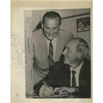 1957 Press Photo Mayo Smith with Robert Carpenter Pres.of Philadelphia Phillies