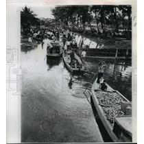 1968 Press Photo Sampan Boats in Soctrang, South Vietnam Canal - ftx00878