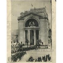 1931 Press Photo Office Trafalgar Building Square Daily