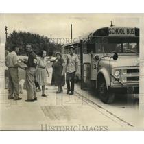 1969 Press Photo Hurricane Laurie - Evacuees of Plaquemines Parish Leave Bus