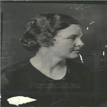 1934 Press Photo January Hostesses Mrs Roger Mead
