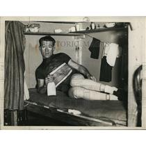 1938 Press Photo Jack Sheehan takes a rest at a sporting event - neo00768