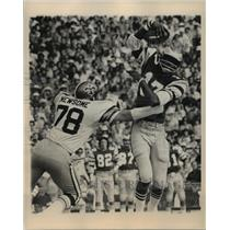 Press Photo New Orleans Saints- Saint makes a grab for the ball. - noa05646