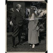 1923 Press Photo Mr & Mrs George Barr McCutcheon of Pasadena writers colony