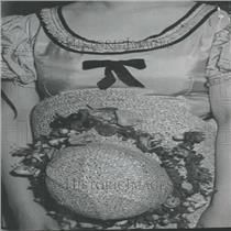1935 Press Photo Jean Dickenson Iraeetta Hat Frog